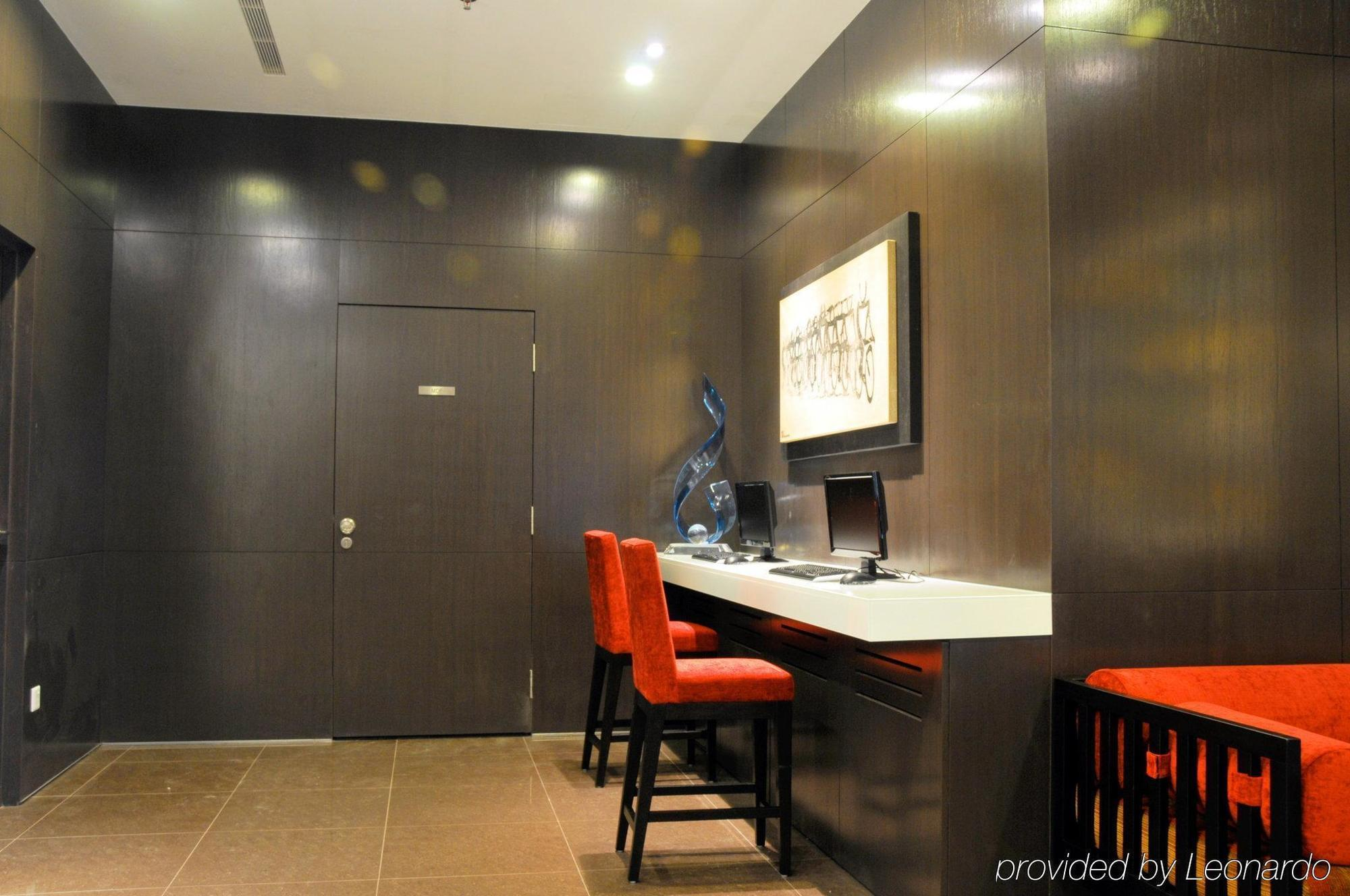 VALUE HOTEL THOMSON, SINGAPORE ***
